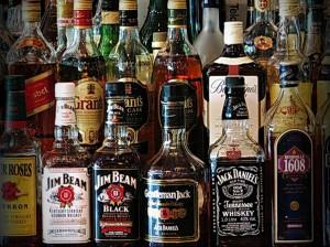 спиртные напитки, коктейли с виски