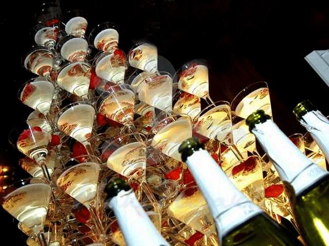 bokalyi-s-shampanskim.jpg